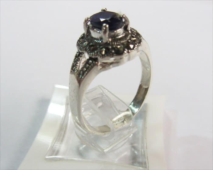 انگشتر زنانه یاقوت آبی کد ۴۴۹