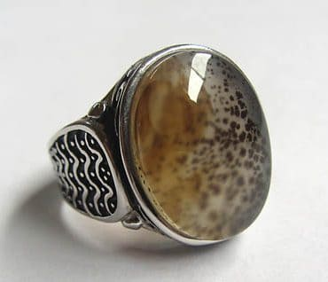 mose agate ring