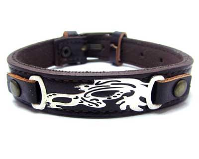 خرید دستبند چرم و نقره با قیمت مناسب