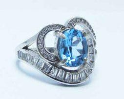 خرید انگشتر توپاز آبی زنانه با قیمت مناسب